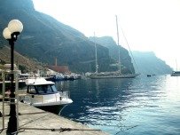 Fira Harbour