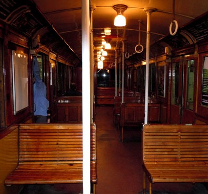 An original wooden car of the A line!