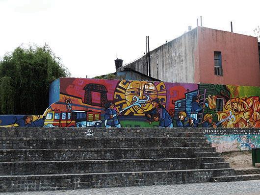Graffiti celebrating the Bomberos Voluntarios de la Boca/ Volunteer Fire Department of Boca