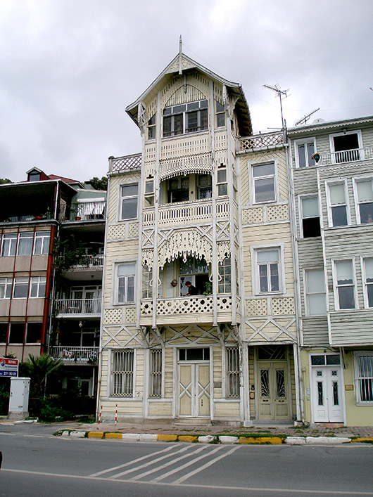 Wooden Yali mansions on the banks of the Bosphorus