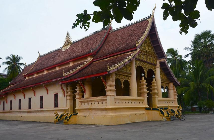 Wat Ong Teu, opposite our hotel