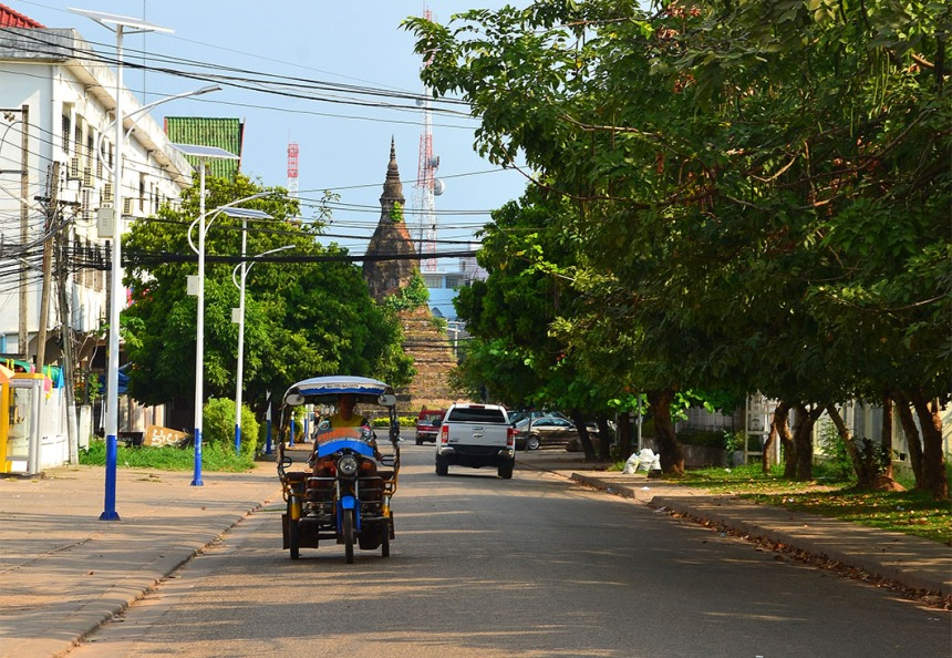 That Dam (Black Stupa), Vientiane