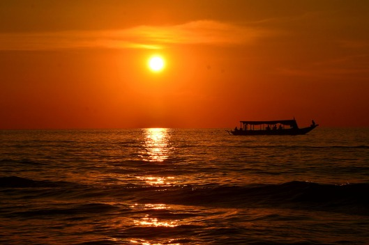 Sunset over Tonle Sap Lake, Cambodiai