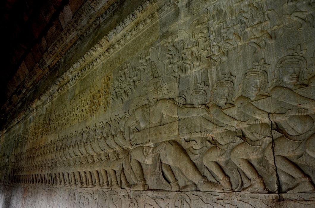 Churning of the ocen Bas relief at Angkor Wat
