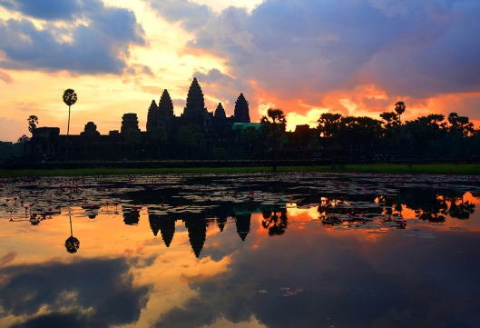 Sunrise in Angkor Wat 1