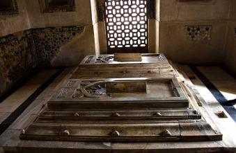 Tombs of Maulana Jamali Kamali, Mehrauli