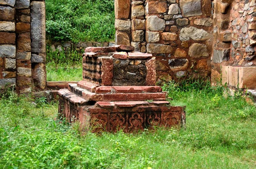 Balban's tomb, Mehrauli