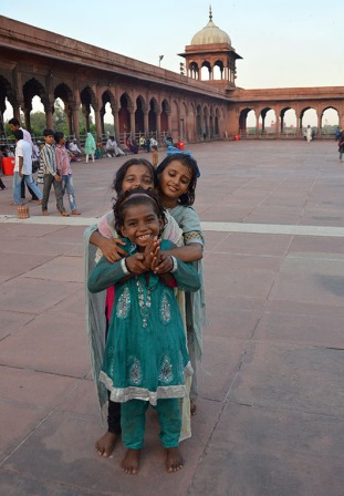 Bollywood aspirants in the Jama Masjid!