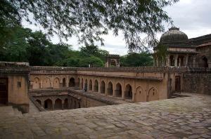 Rajon ki Baoli - Mehrauli Archaeological Park, Delhi