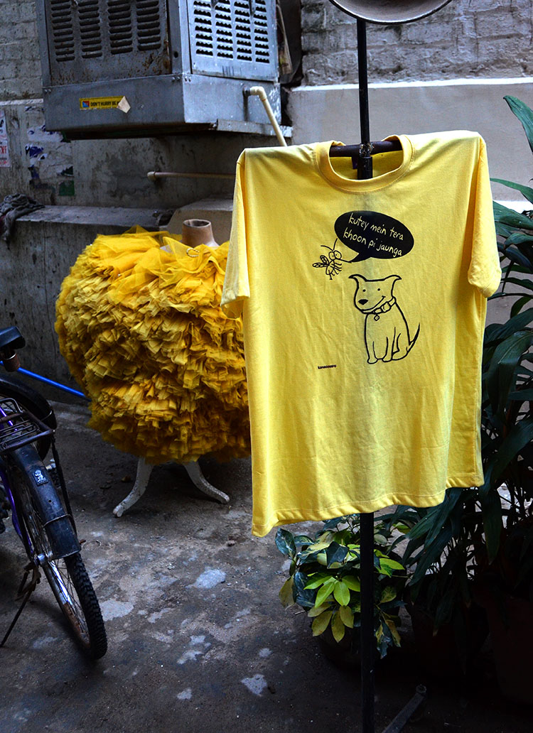 T shirt in Hauz Khas