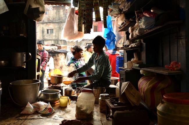 Tea stall in Malick Ghat Flower Bazaar, Kolkata