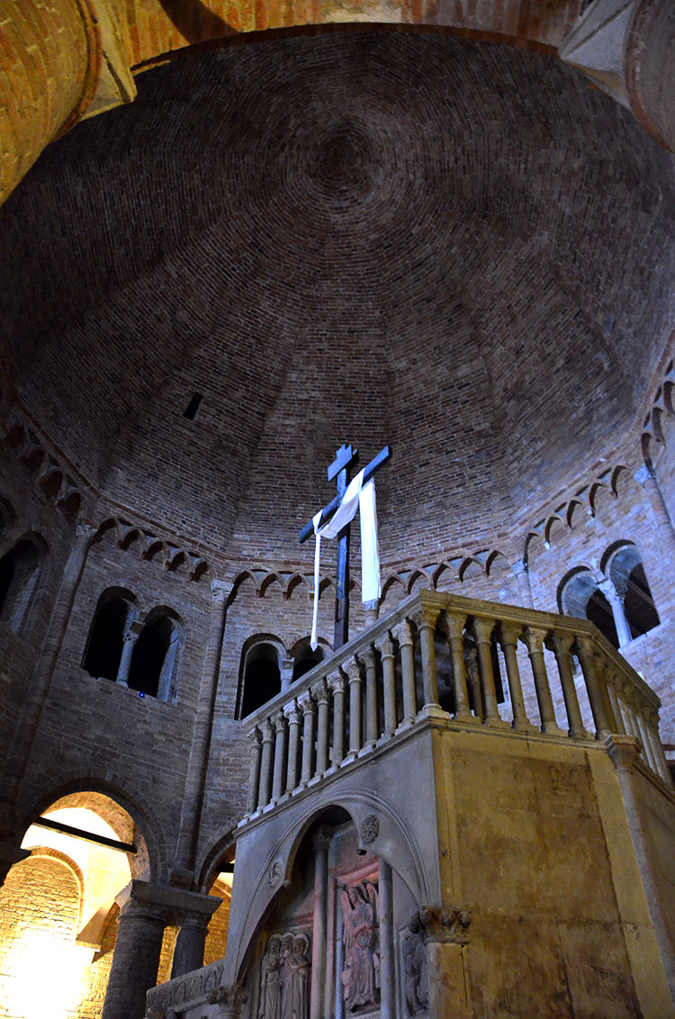 Basilica Santa Stefano, Bologna