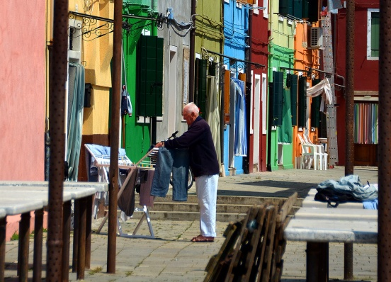 Everyday is laundry day on Burano!