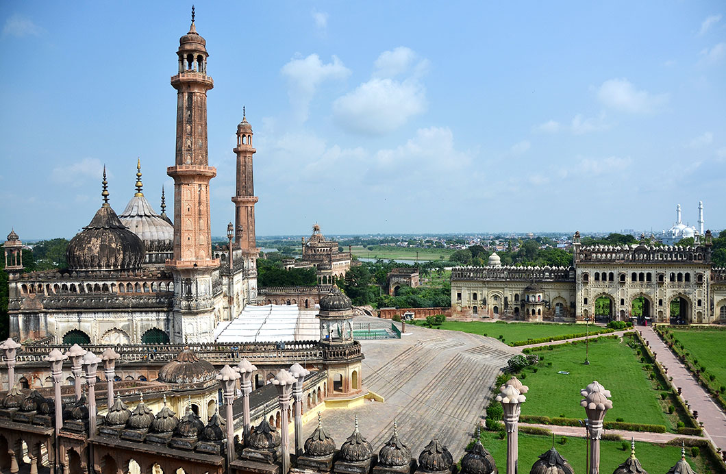 The Asafi mosque is the first of the grand building constructed by the Nawabs when the capital of Awadh was permanently transferred from Faizabad to Lucknow by Nawab Asaf-ud-daulah in 1775