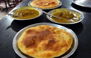 Kulche Nihari at Rahim's
