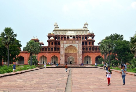 The tomb structure is an eclectic mixture of styles. Note the Indian inspired pavilions and the absence of a central dome.