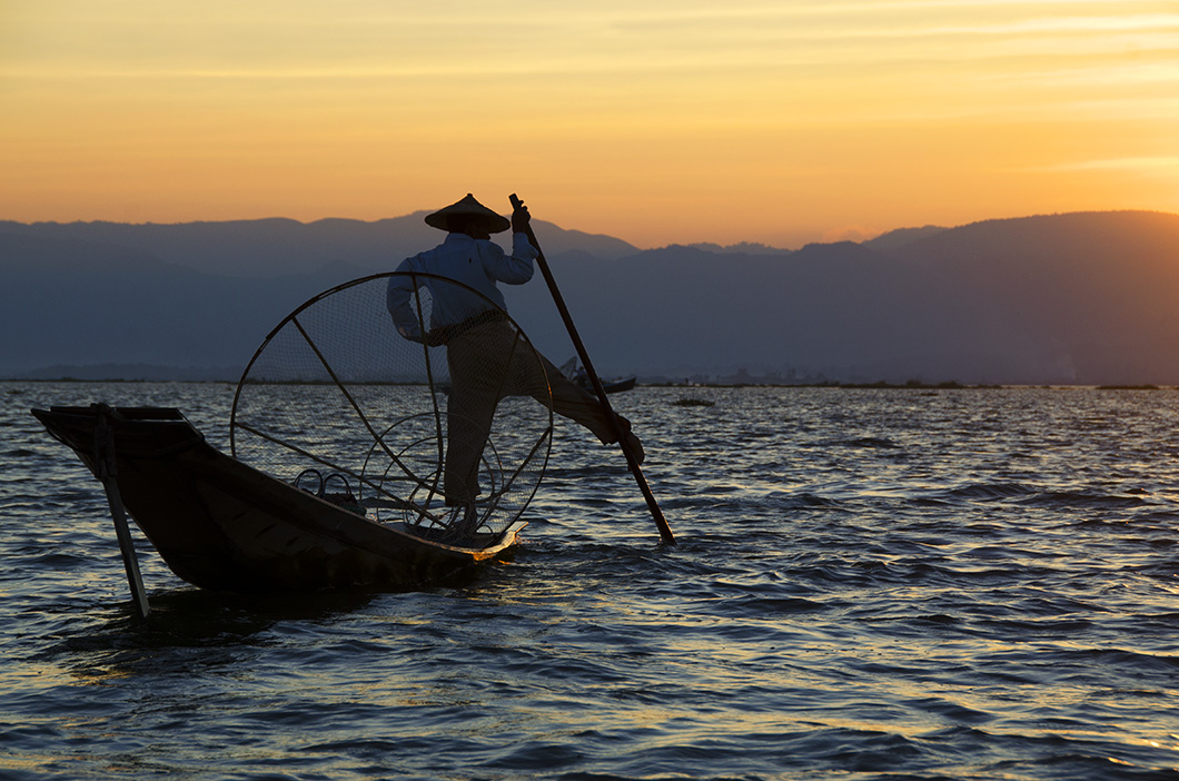 Intha Fisherman returning home at dusk