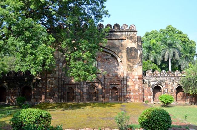 Wall Mosque - Sikandar Lodi Tomb