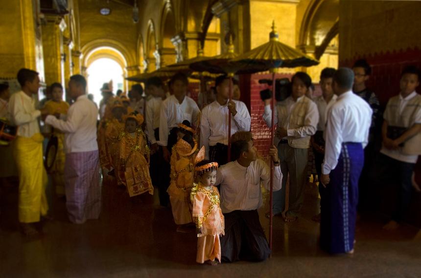 Novice monk initiation in Mahamuni Pagoda, Mandalay