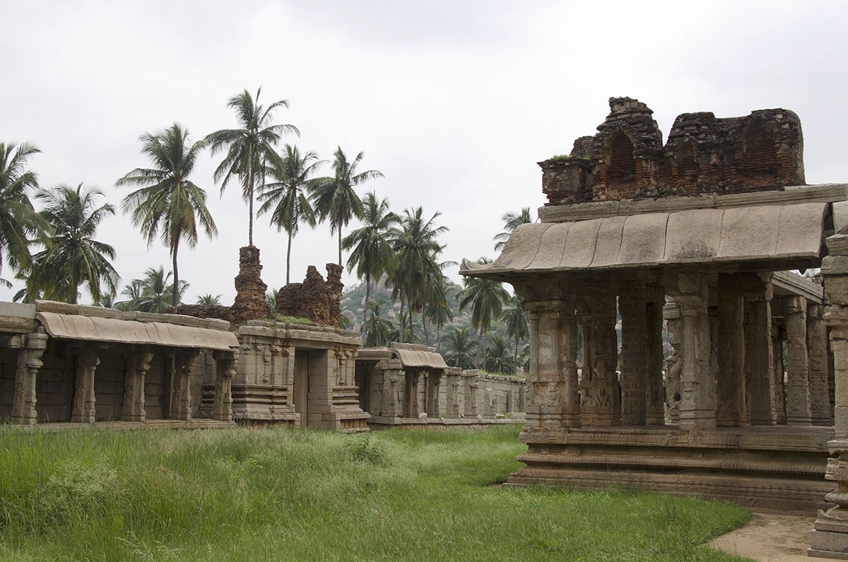 Achuttaraya temple grounds