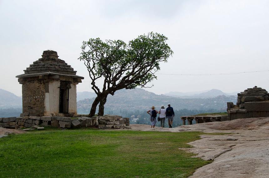 Hanuman temple, Hemakuta hill