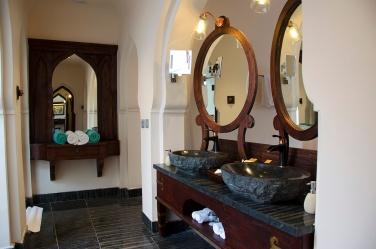 Ensuite bath - Jal Mahal Villa