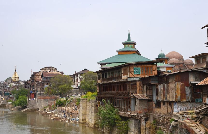 Riverfront - Zaina Kadal, Srinagar