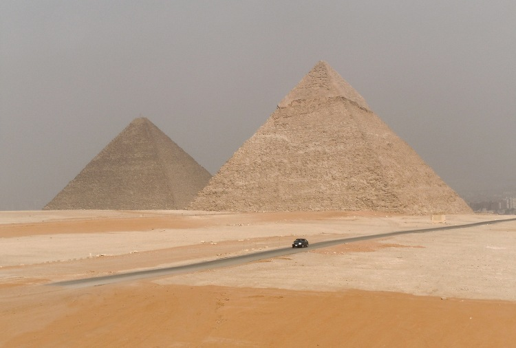 Panoramic view of the Pyramids of Khufu & Khafre in Giza