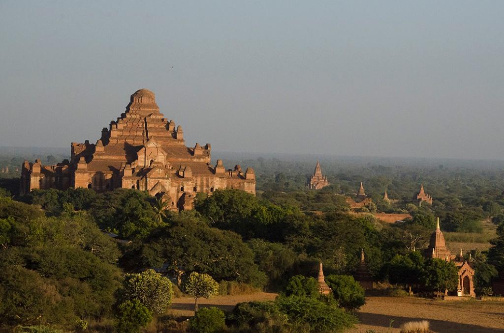 The massive Dhammayangyi Paya, Bagan.